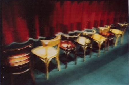 DR IV Les chaises